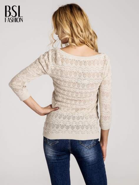 Beżowy ażurowy sweterek z rękawami 3/4                                  zdj.                                  3
