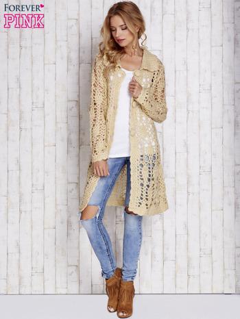 Beżowy długi sweter na guziki                                  zdj.                                  5