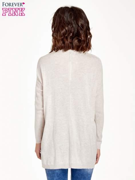 Beżowy sweter V-neck z rozporkami                                  zdj.                                  2