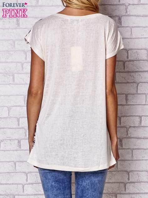 Beżowy t-shirt z nadrukiem tygrysa                                  zdj.                                  2