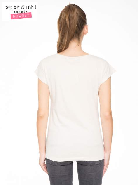 Beżowy t-shirt z napisem STAND BY ME                                  zdj.                                  8