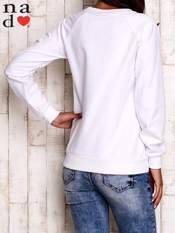 Biała bluza z błyszczącym nadrukiem                                  zdj.                                  5