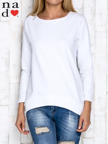 Biała bluza z dekoltem w łódkę                                  zdj.                                  1