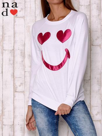Biała bluza z motywem emoji