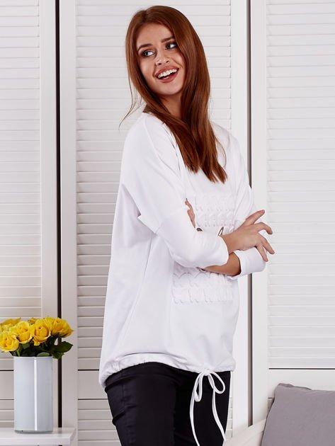 Biała bluza z motywem motyli                              zdj.                              5