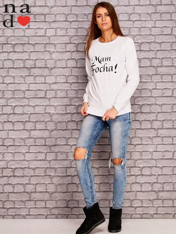 Biała bluza z napisem MAM FOCHA                              zdj.                              2