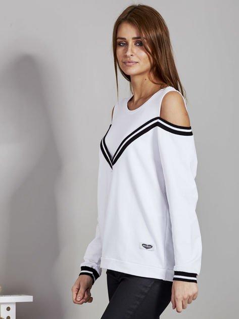 Biała bluza z ukośnymi ściągaczami                              zdj.                              3