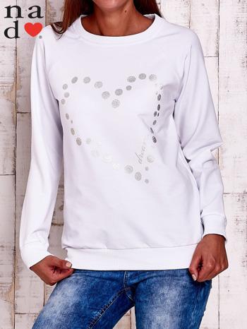 Biała bluza z wzorem serca