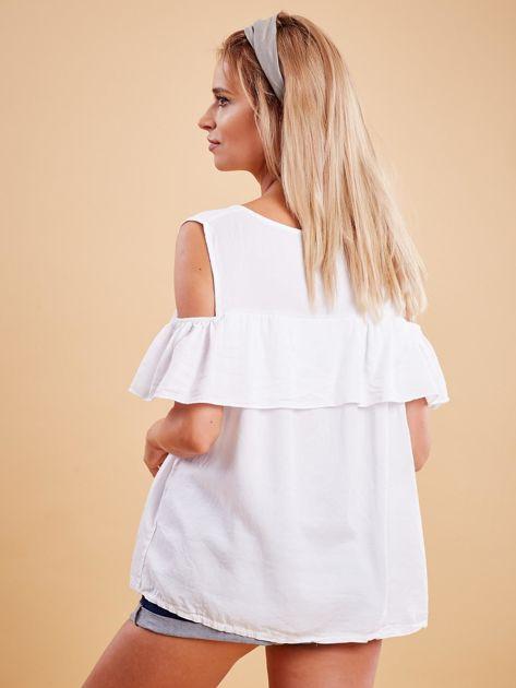 Biała bluzka cold arms z falbaną                              zdj.                              2