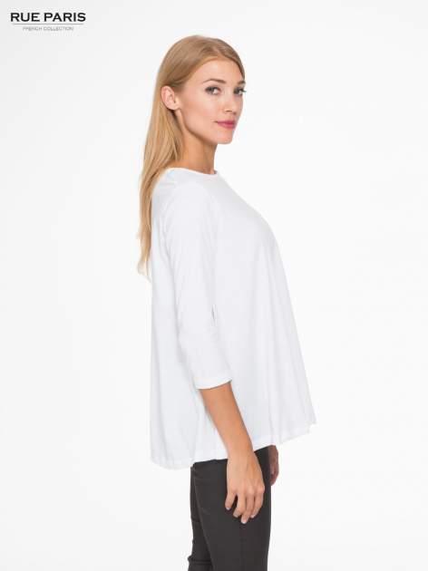Biała bluzka o rozkloszowanym kroju z rękawem 3/4                                  zdj.                                  3