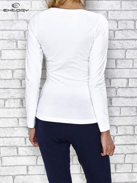 Biała bluzka sportowa z dekoltem U                                  zdj.                                  4