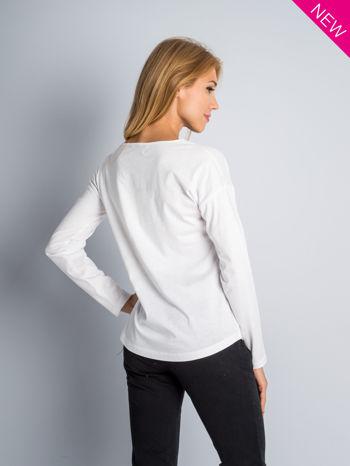 Biała bluzka z aplikacją z dżetów z przodu                                  zdj.                                  8