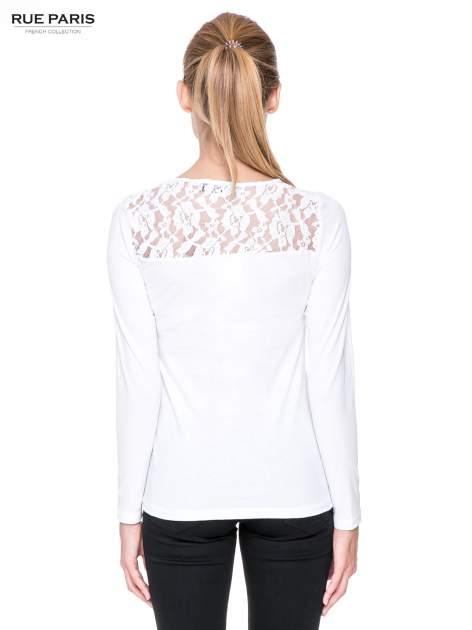Biała bluzka z karczkiem z koronki w róże                                  zdj.                                  4