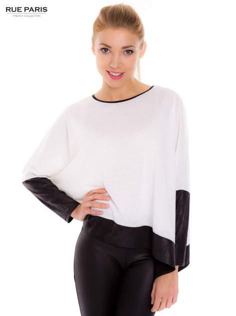 Biała bluzka z kontrastowymi wstawkami