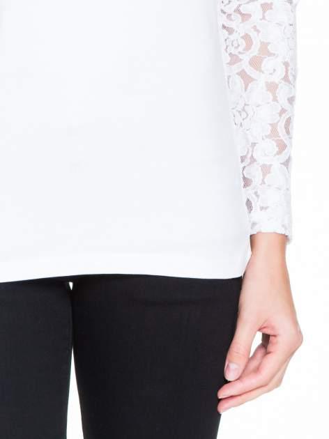 Biała bluzka z koronkowymi rękawami                                  zdj.                                  6