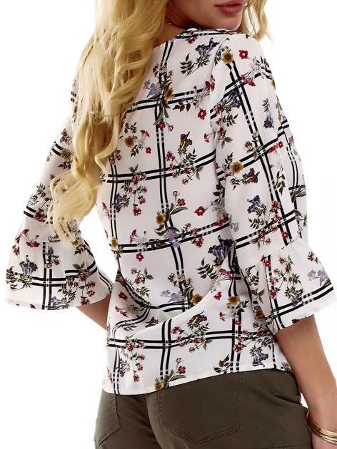 Biała bluzka z motywem kwiatowym                              zdj.                              7