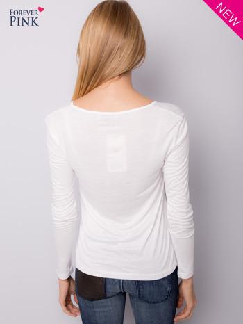 Biała bluzka z nadrukiem serca                                  zdj.                                  4