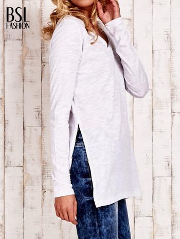 Biała bluzka z rozporkami z boku                                  zdj.                                  3