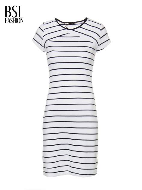 Biała dopasowana sukienka w paski z rozporkiem na dole                                  zdj.                                  2