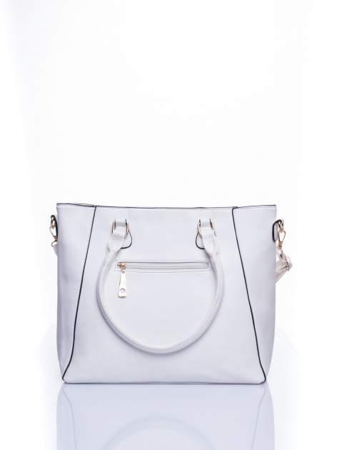 Biała fakturowana torba z odpinanym paskiem                                  zdj.                                  3