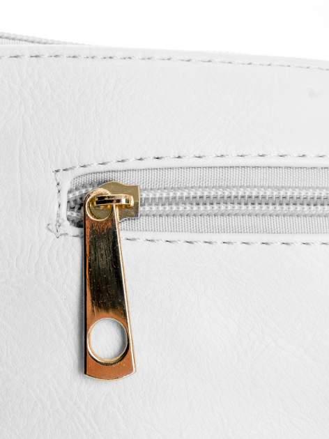 Biała kopertówka z dżetami motyw wąsów                                  zdj.                                  5
