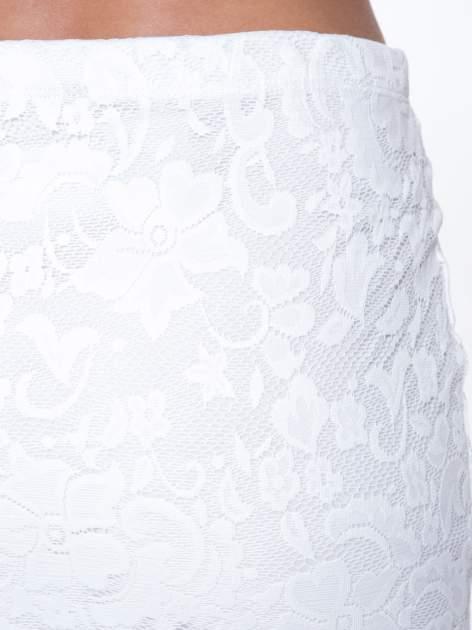 Biała koronkowa spódnica typu tuba za kolano                                  zdj.                                  6