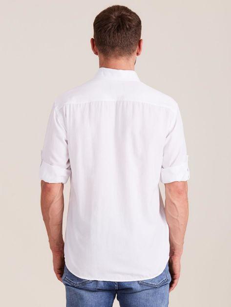 Biała koszula męska o regularnym kroju                              zdj.                              2