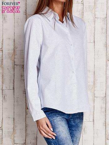Biała koszula z delikatnym nadrukiem                              zdj.                              3