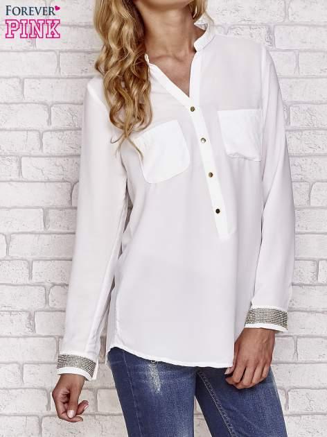 Biała koszula z mankietem z cyrkonii                                  zdj.                                  3