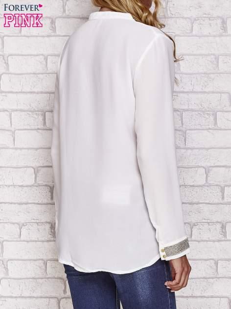 Biała koszula z mankietem z cyrkonii                                  zdj.                                  4