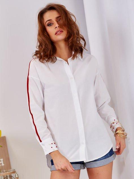 Biała koszula z perełkami na mankietach                              zdj.                              1