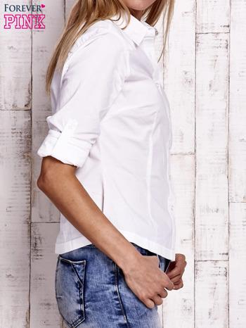 Biała koszula z podwijanymi rękawami                                  zdj.                                  6
