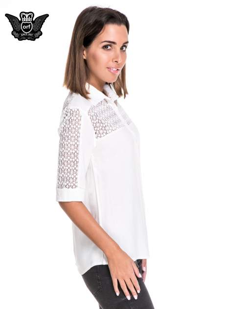Biała koszula z rękawem do łokcia i koronką                                  zdj.                                  3