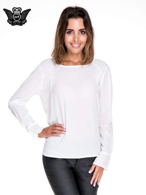 Biała koszula z wycięciem na plecach