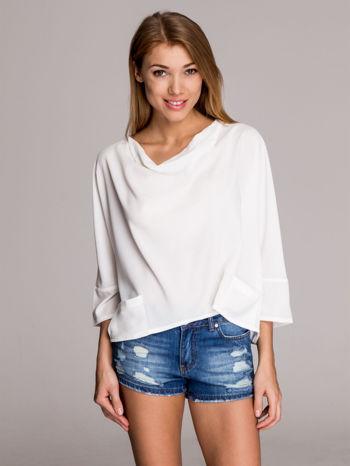 Biała luźna koszula z dekoltem typu woda                                  zdj.                                  1