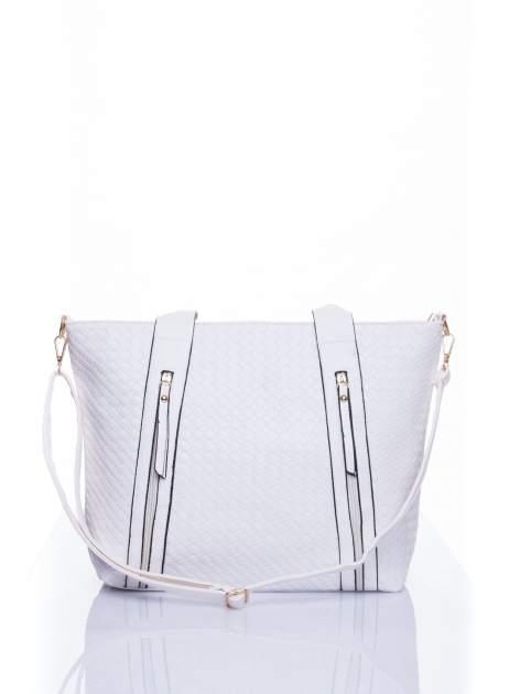 Biała pleciona torebka z suwakami