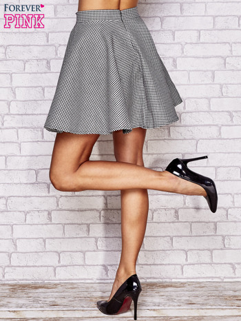 Biała rozkloszowana spódnica w pepitkę                                  zdj.                                  5