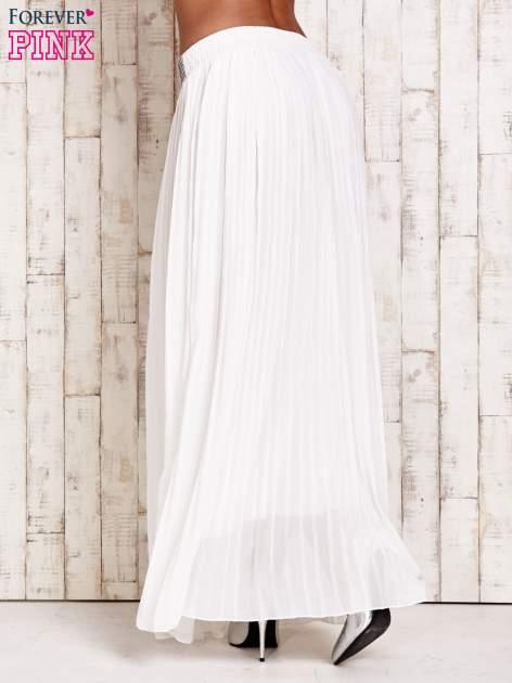 Biała spódnica maxi plisowana z dżetami w pasie                                   zdj.                                  3