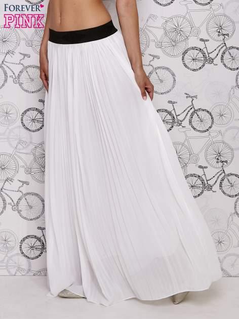 Biała spódnica maxi z ornamentowym paskiem                                  zdj.                                  1