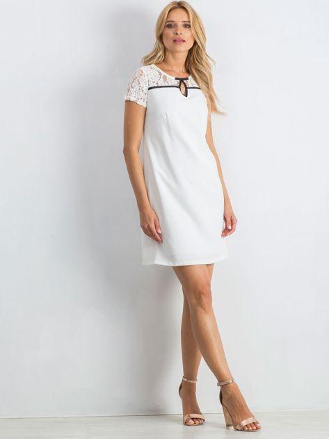Biała sukienka Irresistible                               zdj.                              4
