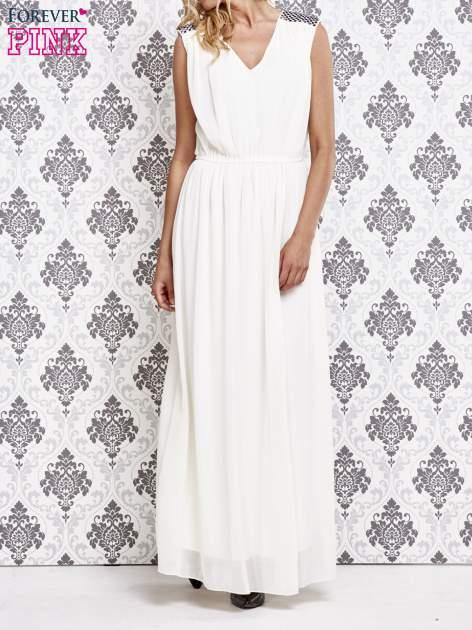 Biała sukienka maxi z pagonami z dżetów                                  zdj.                                  1