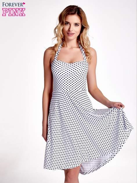 Biała sukienka w groszki z wiązaniem na szyi                                  zdj.                                  1