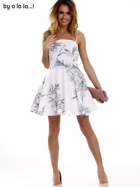 Biała sukienka w malarskie desenie BY O LA LA                              zdj.                              9