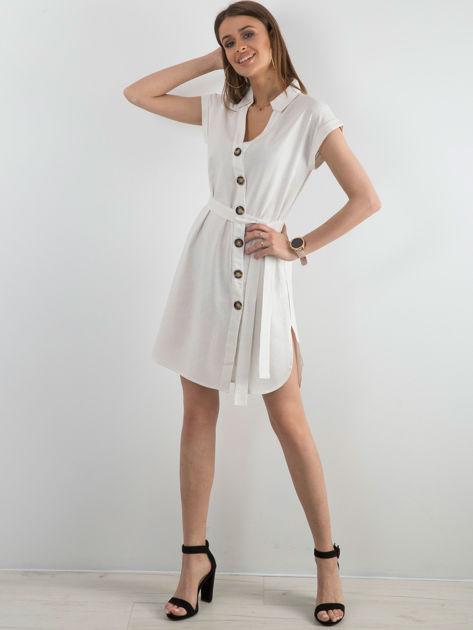 Biała sukienka z asymetrycznym zapięciem                              zdj.                              4