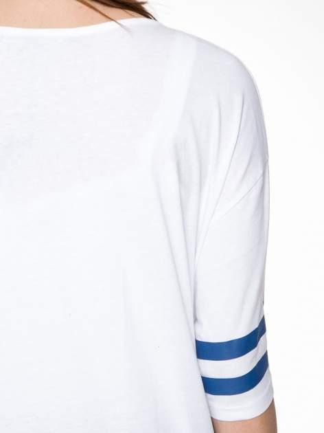 Biała sukienka z literą A w stylu baseball dress                                  zdj.                                  7