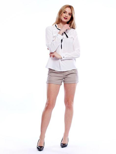 Biała szyfonowa bluzka z wiązaniem i perełkami                              zdj.                              4