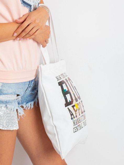 Biała torba damska z nadrukiem                              zdj.                              3
