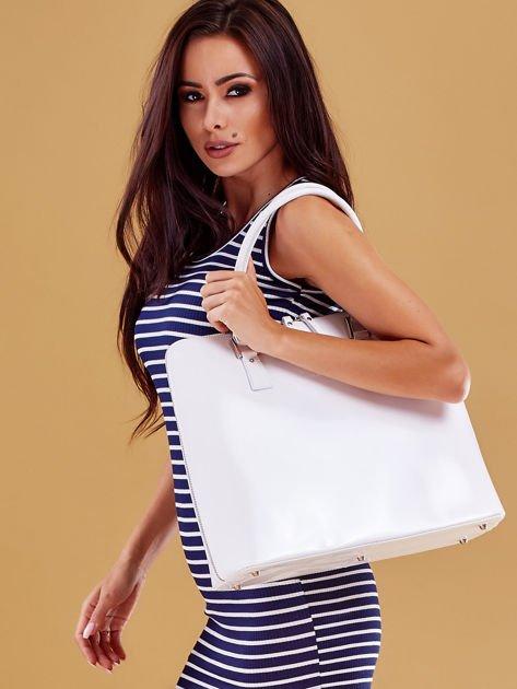 Biała torba damska z odpinanym paskiem                              zdj.                              3
