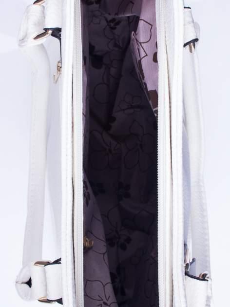 Biała torba shopper bag ze złotymi okuciami przy rączkach                                  zdj.                                  4