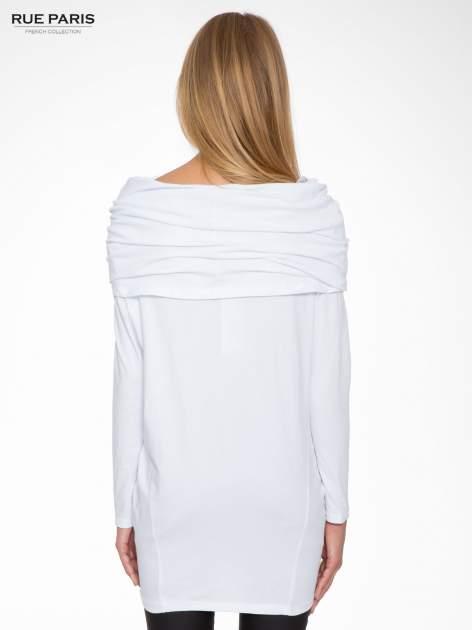 Biała tunika dresowa z kominokapturem i ściągaczem na dole                                  zdj.                                  4